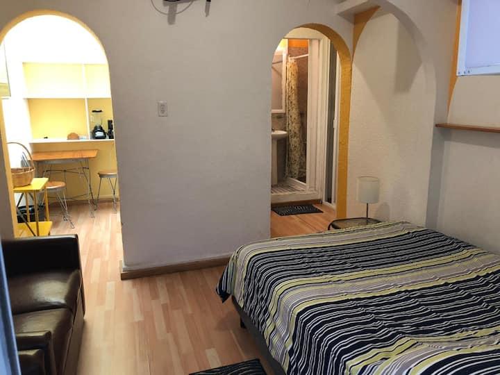 Acogedor+Completo mini depa en residencia privada!