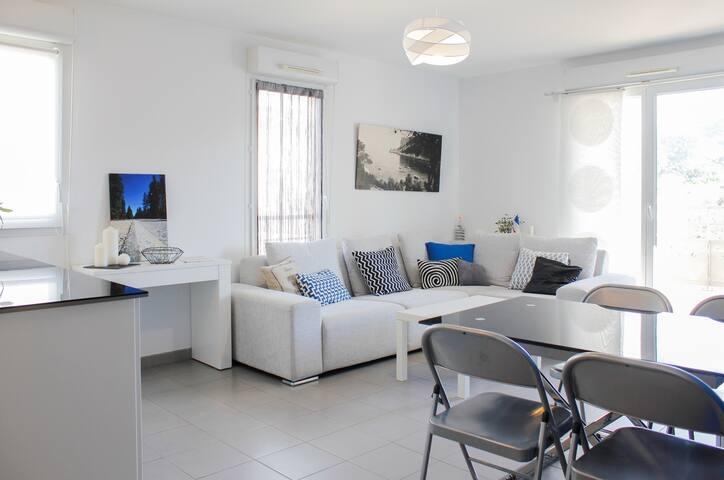 T2 lumineux et confortable avec terrasse - Marsylia - Apartament