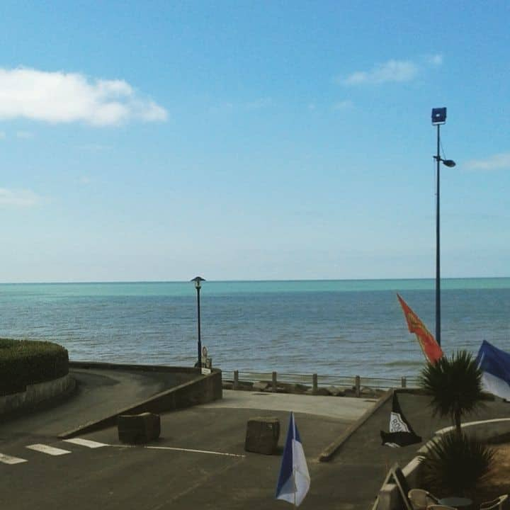 Grand Appartement vue mer, accès direct a la plage