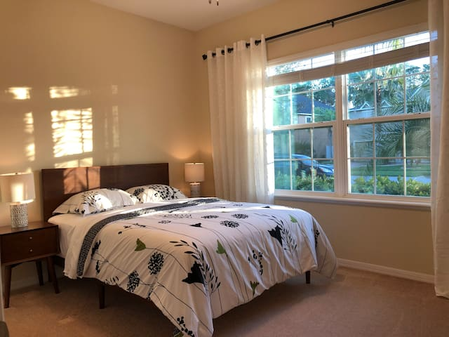 Beautiful fully furnished room