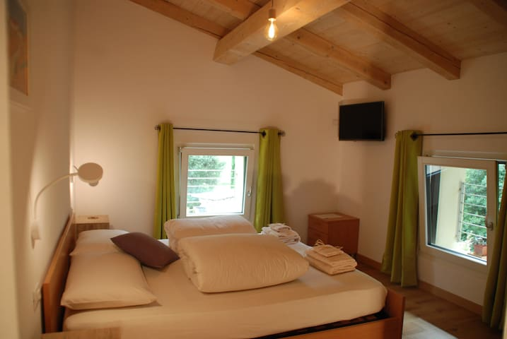 Ca'rina Sunrise room