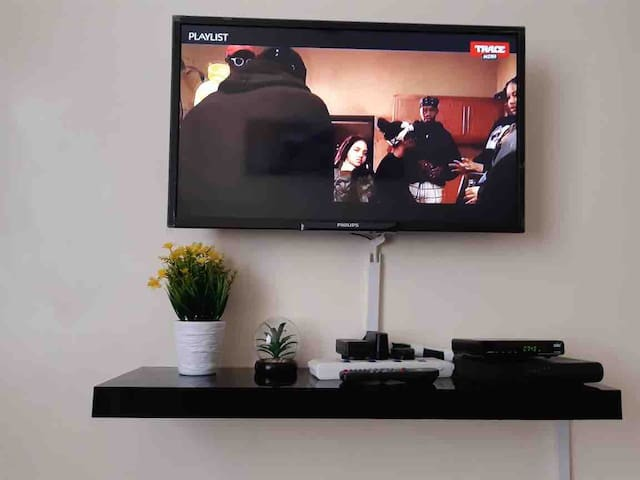 Cable tv with both local and international channels.