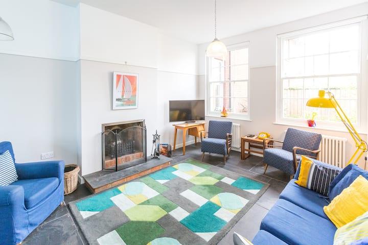 Watermans - A charming apartment close to beach