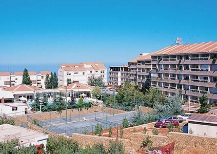 *Ehden, Lebanon, Studio #1 /6067 - Ehden