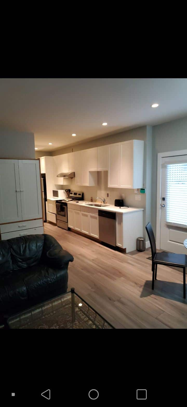 Bright  and Tranquil One Bedroom Basement Suite