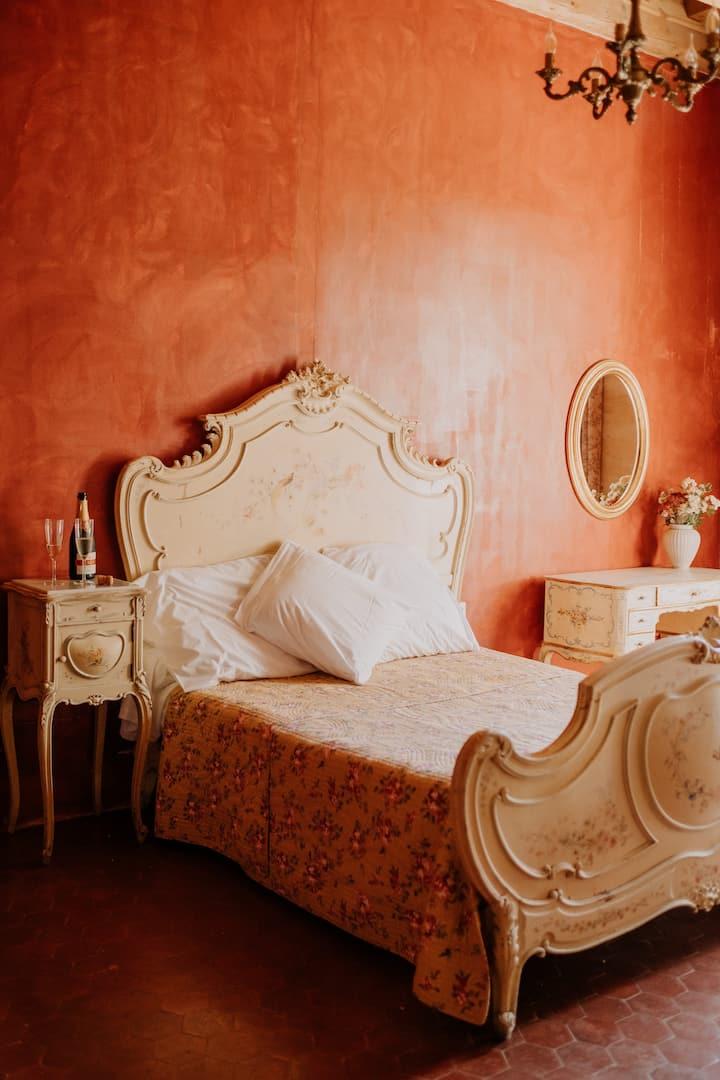 Chambre de charme dans un domaine provençal
