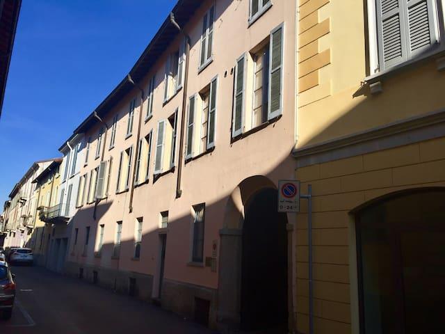 Moderno bilocale in pieno centro - Lodi - Wohnung
