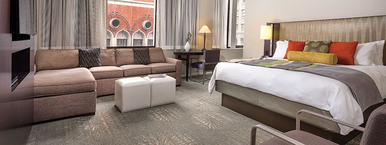Union Square Location - Great Hotel Style Suite