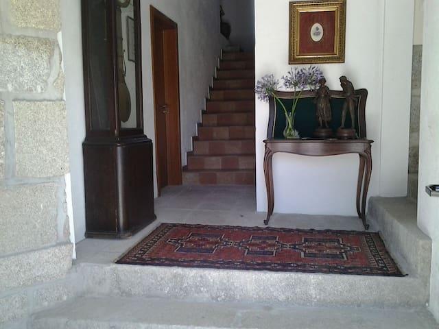 V3 Pena - Galegos - Villa
