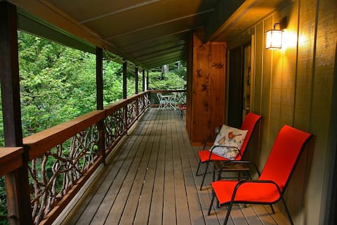 The Pisgah Forest Treetop Retreat