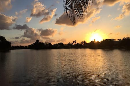 Private, peaceful getaway on the water! - Boynton Beach