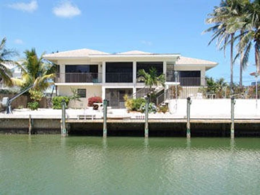 Private boat dock (80ft) and a lovely back yard.