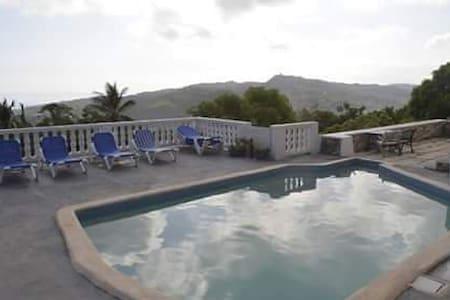 WoodandWater Villa - Room with balcony - Oracabessa - Casa de campo