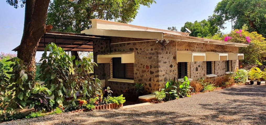 'Nivaant' - A Serene, Cozy, Villa on Panhala Fort