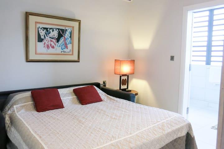 Third Bedroom with Double Bed and en-suite bathroom
