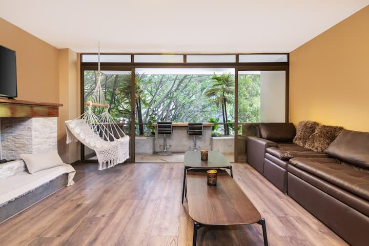 Charming Apartment one block from Parque Lleras