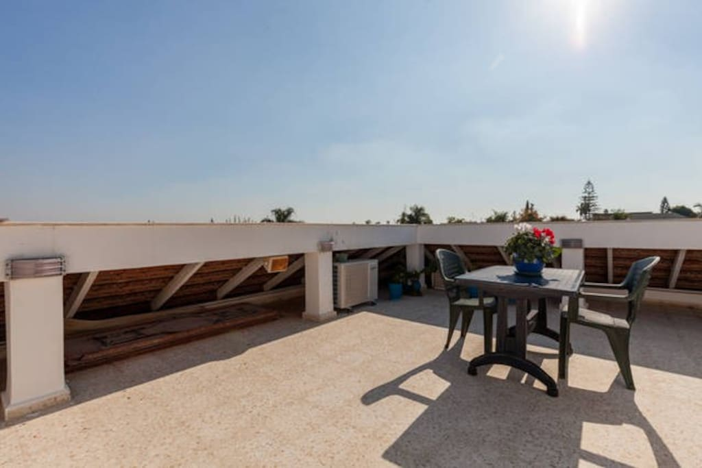 Peaceful roof top terrace. A great place to have a meal, unwind, have a drink and breath fresh air.