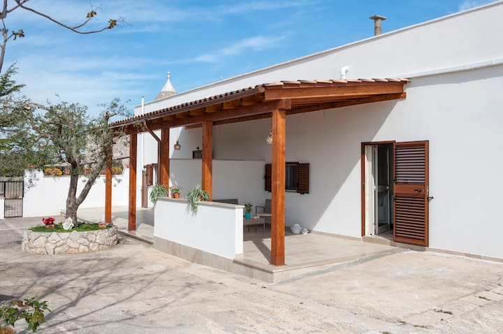 Villa for 5 people in Monopoli's countryside