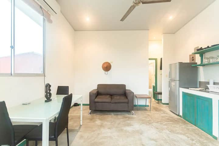 ★ CENTRAL ★ | Discreet | Work home| Beach at 200m