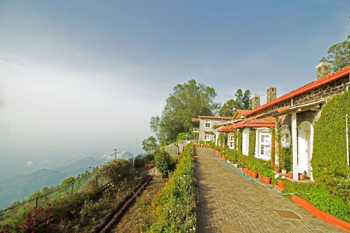 Vue Kodaikanal - An Ecorganic stay by the lake