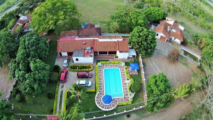Hotel Campestre La Castañuela zona habitaciones