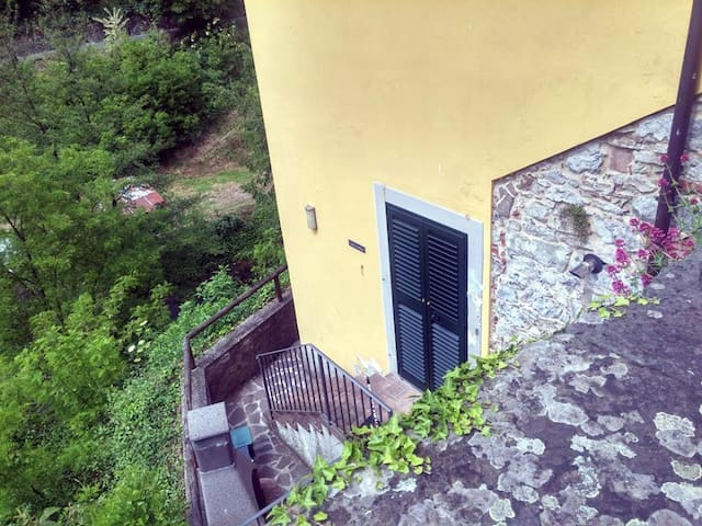 Casa Corsonna retreat by the stream - Barga - 公寓
