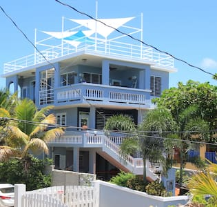 5 Bedroom 30 Steps to Shacks Beach