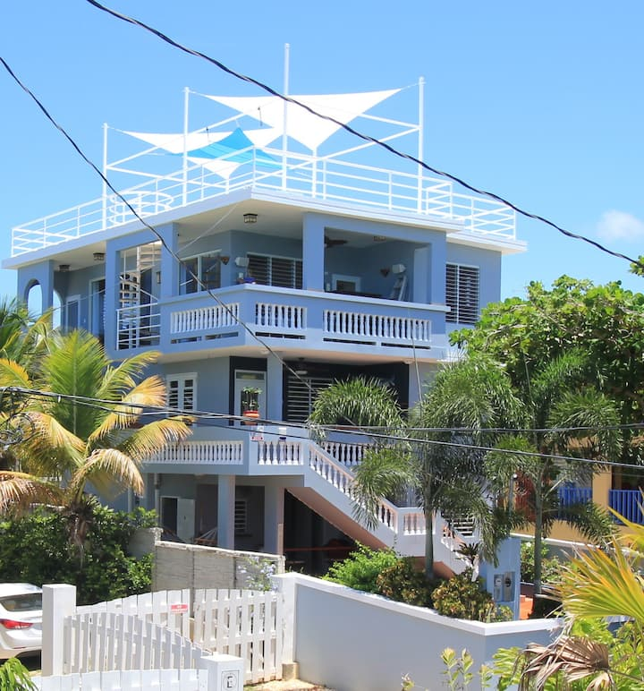 5 Bedroom 30 Steps to Shacks Beach