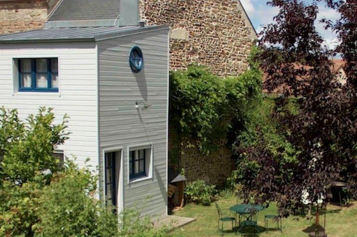 la p'tite maison - Feuguerolles-Bully - Huis