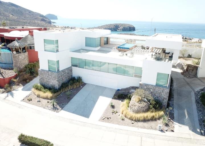 Dos Vistas House