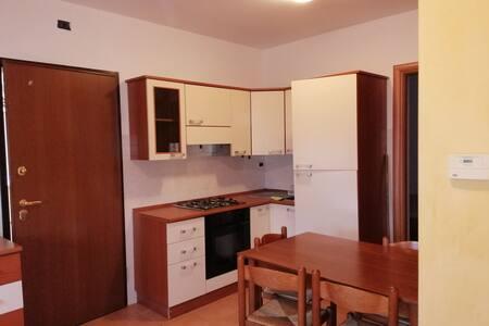 affittasi appartamento per lunghi e brevi periodi