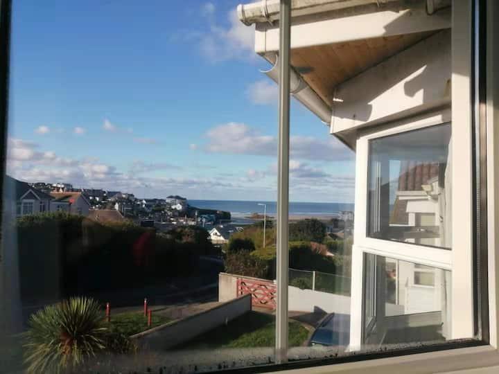 Sea view flat 5 Min Walk From Perranporth Beach