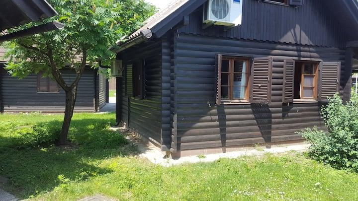 Počitniška hiša - Brunarica 69