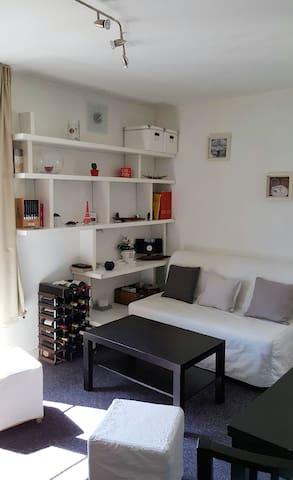 A charming 2-room apt. near Gambetta