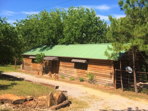 Quiet & Secluded Cabin at Skiatook Lake