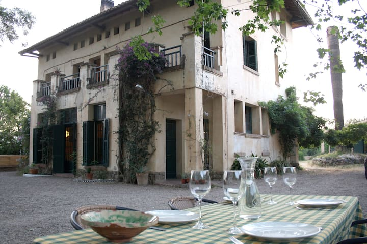 Spectacular eighteenth century Farmhouse-Mansion!! - Les Borges del Camp - Vila