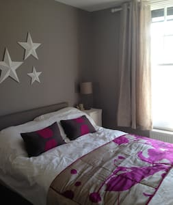 Spacious One Bedroom Apartment - Stansted Airport - Appartamento
