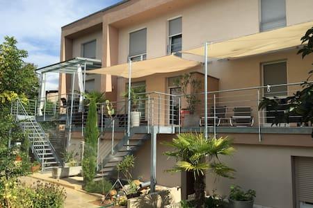 sonnige 80m² Maisonettenwohnung - Ihringen