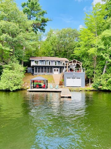 D&J's Hideaway - A Modern Secluded Family Getaway