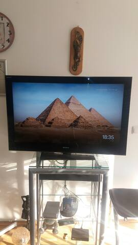 Sony M-net TV plus with up 100 channels. Sony sound bar HT-SF200/SF201. Chromcast e.t.c