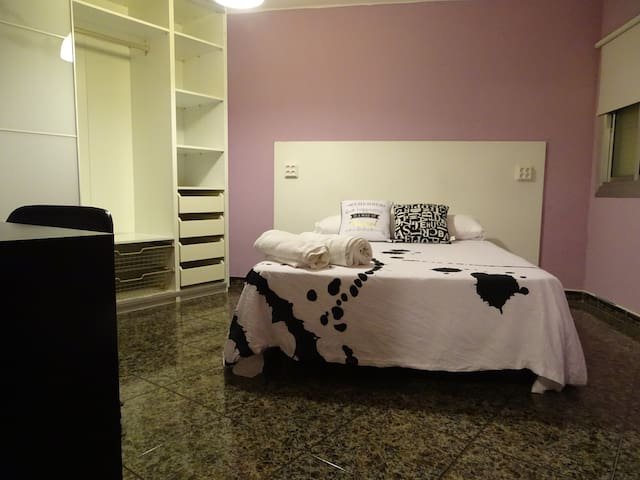 Habitacion privada triple - Badalona - Appartement