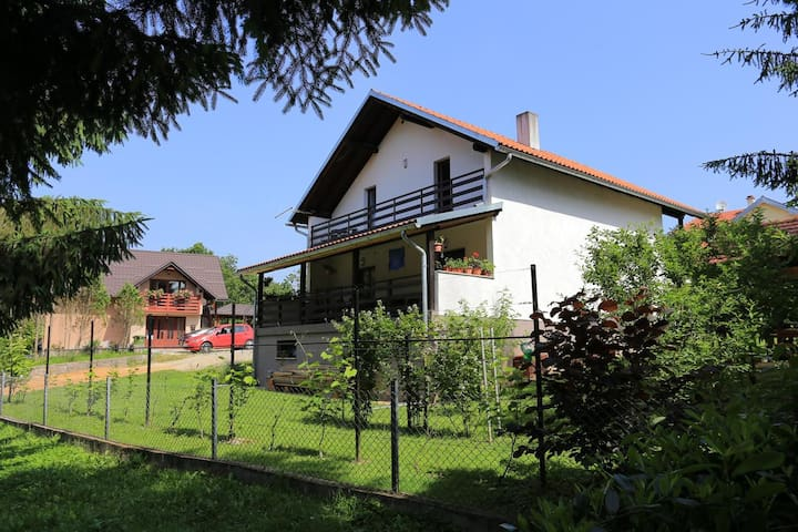 Two bedroom apartment with balcony Donje Taborište (Plitvice) (A-17527-a)