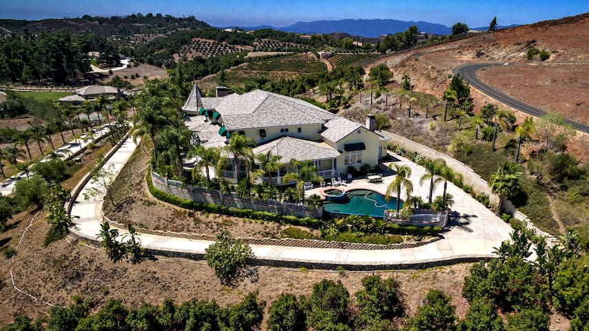 Luxury Home Near Wine Country