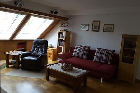 Sunny 3-Room Flat near Nuremberg Germany - Wendelstein - Lejlighed
