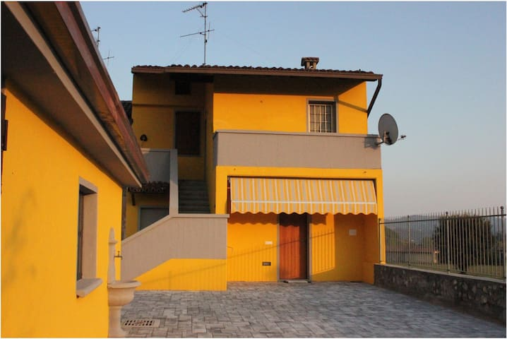 La casa del Gatto casa indipendente con parcheggio