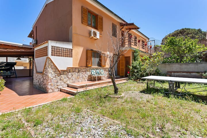 Lovely Villa in Messina near Sea Beach