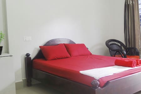 Clean and Cozy Apartment Room - Krong Preah Sihanouk