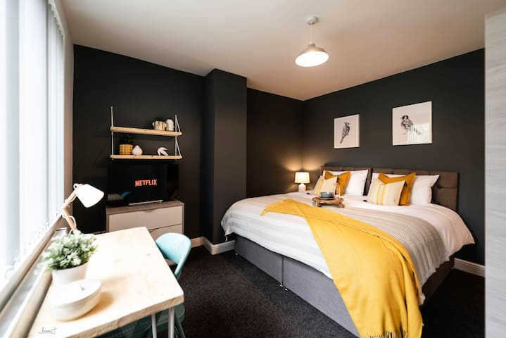 ⭐️Super King Double Room with Private Bathroom⭐️