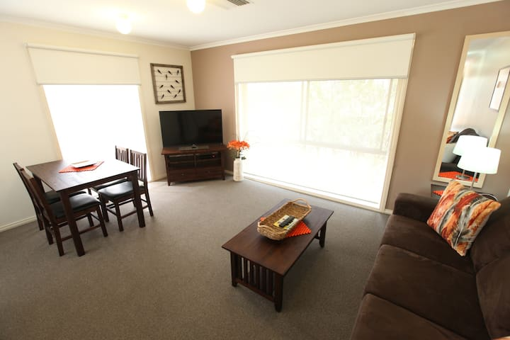 Melbourne Airport - 1 bed apartment
