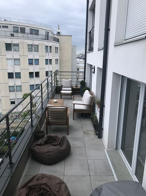 Chambre double m tro gallieni ligne 3 apartments for - Gare routiere paris gallieni porte bagnolet ...